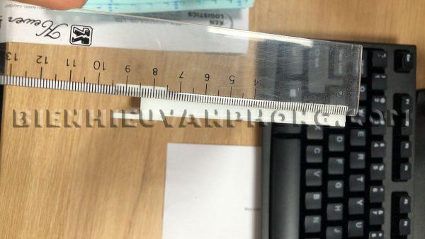 Bảng tên nhân viên 2 mặt kẹp vách ngăn