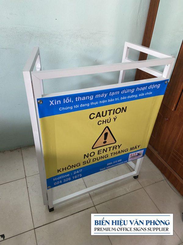 Bảng cảnh báo Thang máy đang bảo trì, Khung nhôm