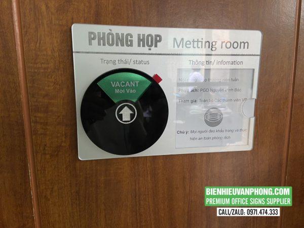 Bảng phòng họp với Nút trạng thái riêng tư